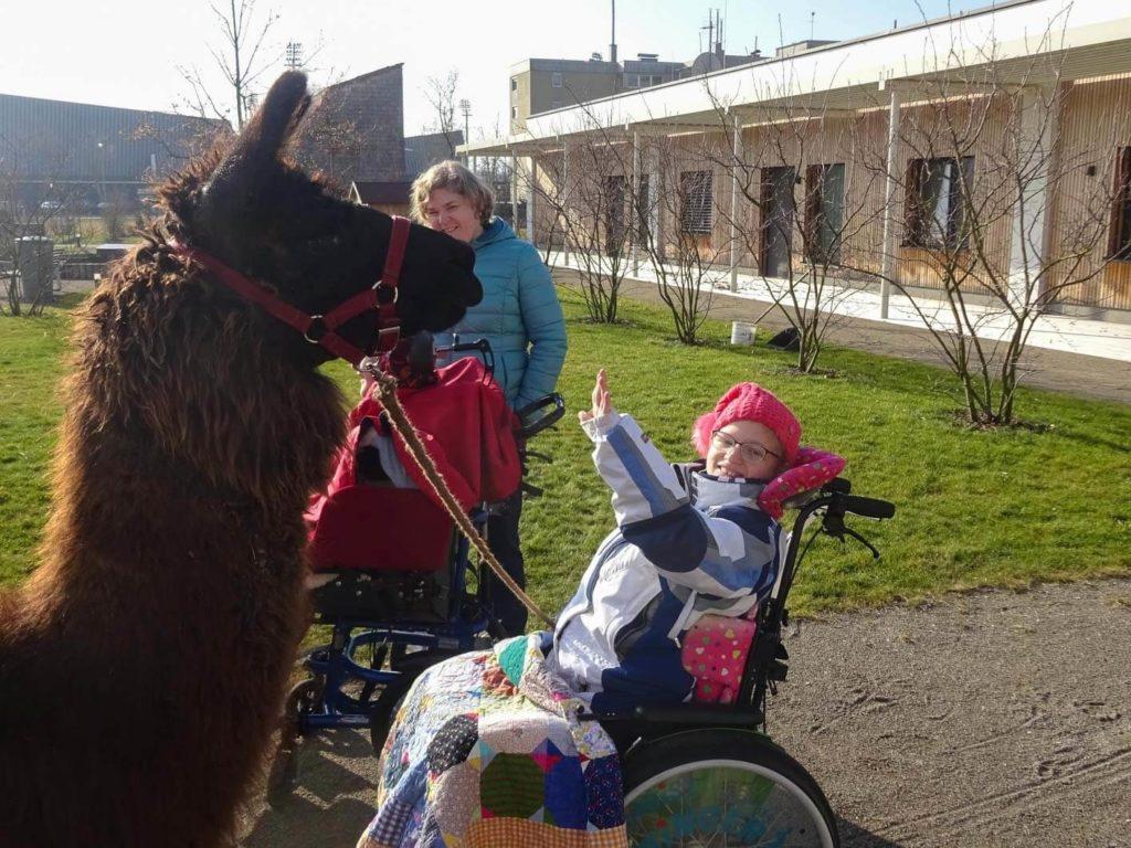 Spenden für Therapien der Malteser Kinderhilfe